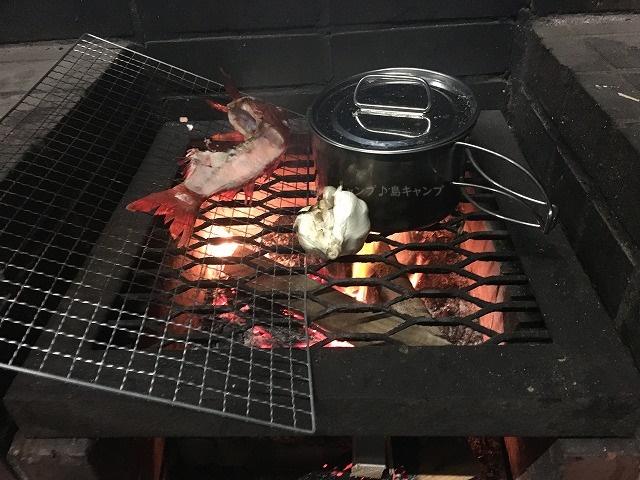 キャンプ薪で炊飯