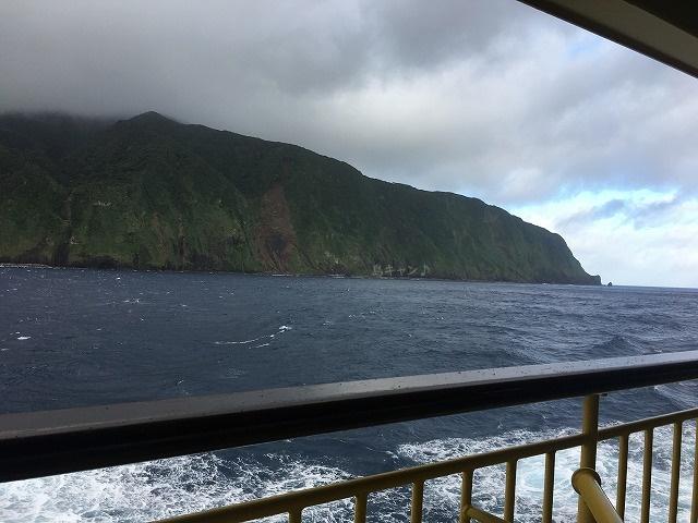 御蔵島着岸