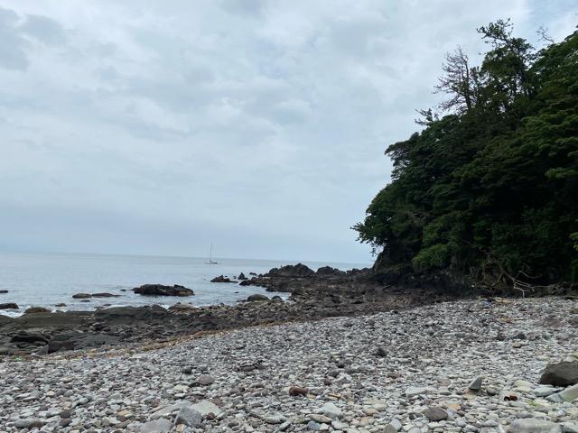 ガンダーラ真鶴海岸右側