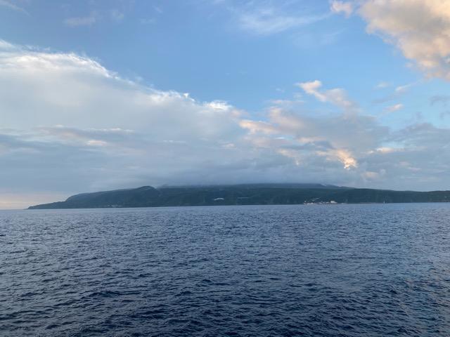 大島が見えてきたさるびあ丸