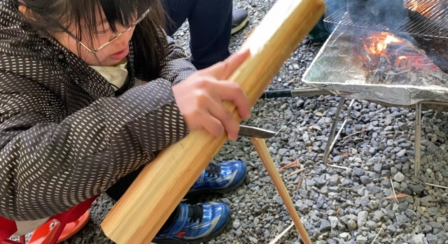 魚の串作り先を細く削る