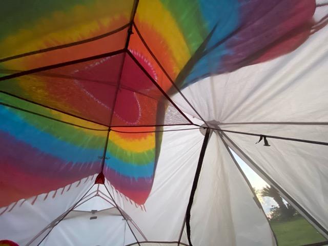 テント内の朝